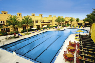 Pool des Al Hamra Village Golf Resort