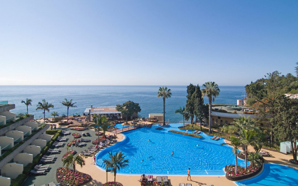 Pool des Pestana Carlton Madeira