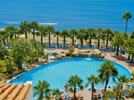 Swimmingpool des Marbella Playa